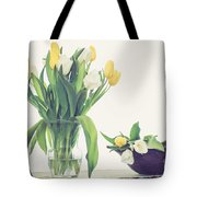 Tulip Art Tote Bag