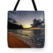 Tunnels Beach Sunset Tote Bag