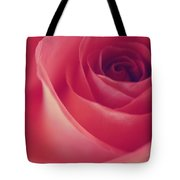 Une Rose D'amour Tote Bag