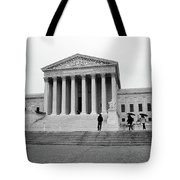 United States Supreme Court Building Bw Tote Bag