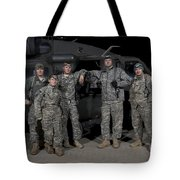 U.s. Army Crew Chiefs Pose In Front Tote Bag