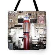 Us Route 66 Smaterjax Dwight Il Gas Pump 01 Pa 01 Tote Bag