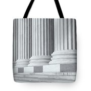 Us Supreme Court Building Iv Tote Bag by Clarence Holmes