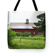 Vermont Barn With Tire Swing Tote Bag