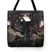 Vips In A Ch-47 Chinook Helicopter Tote Bag