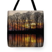 Vivid Sunset On The Lake In Olney Tote Bag