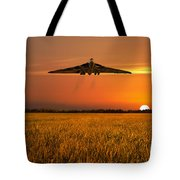 Vulcan Farewell Fly Past Tote Bag