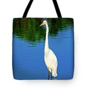 Wading Great White Egret Tote Bag