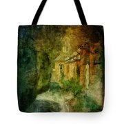 Walking In A Williamsburg Garden Tote Bag