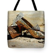 Washed Out Queen Tote Bag