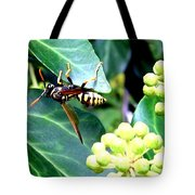 Wasp On The Ivy Tote Bag