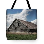Way Of Life - Weathered Barn In Kansas Tote Bag