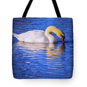 White Swan Drinking Water In A Pond Tote Bag