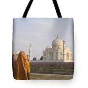 Women At Taj Mahal Tote Bag by Bill Bachmann - Printscapes
