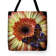 Wonderful Butterfly On Daisy Tote Bag