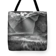 Yosemite Morning Sun Rays Tote Bag