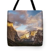 Yosemite Tunnel View Sunset In Winter Tote Bag