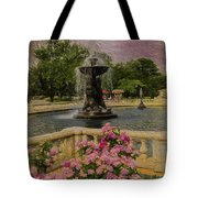 Zoo Fountain 2 Tote Bag