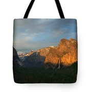 View Of Yosemite Valley From Tunnel View Point At Sunset Tote Bag