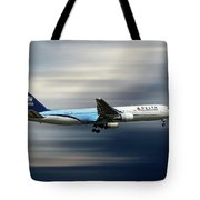 Delta Air Lines Boeing 767-332 Tote Bag