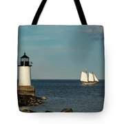 Fame Sailing Into Salem Harbor Tote Bag by Jeff Folger