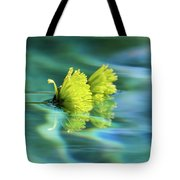 Floating Daisies 1 Tote Bag by Dawn Richards