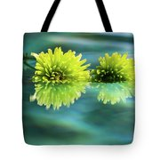 Floating Daisies 2 Tote Bag by Dawn Richards