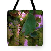 Green Grapes On The Vine 12 Tote Bag