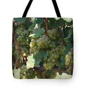 Green Grapes On The Vine 18 Tote Bag