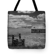 Oregon Barn In Black And White Tote Bag by Matthew Irvin