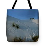 Rippled Sand Dunes In White Sands National Monument, New Mexico - Newm500 00118 Tote Bag