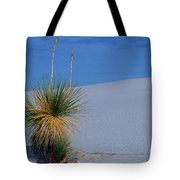 Yucca Plant In Sand Dunes In White Sands National Monument, New Mexico - Newm500 00112 Tote Bag