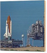 Space Shuttle Roll-around Wood Print