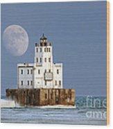 0186 Moon Over Milwaukee Breakwater Lighthouse Wood Print