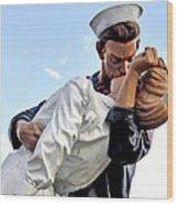 Closeup Nurse And Sailor Kissing Statue Unconditional Surrender Wood Print