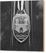 1952 Volkswagen Vw Emblem Wood Print