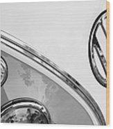 1964 Volkswagen Samba 21 Window Bus Vw Emblem Wood Print
