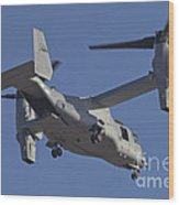 An Mv-22b Osprey Prepares For Landing Wood Print