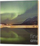 Aurora Borealis Over Nares Lake Wood Print