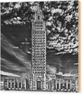 Capitol Building Of Louisiana Wood Print