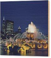 Evening At Buckingham Fountain - Chicago Wood Print
