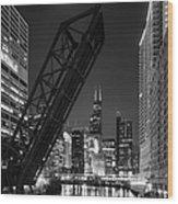 Kinzie Street Railroad Bridge At Night In Black And White Wood Print