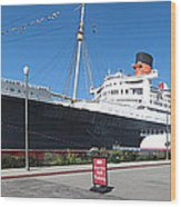 Queen Mary - 12121 Wood Print by DC Photographer