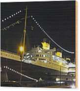 Queen Mary - 12122 Wood Print