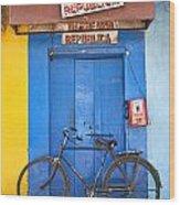 Shop On Street In Goa India Wood Print