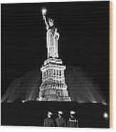 Statue Of Liberty On V-e Day Wood Print