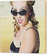 Surprised Pinup Girl On Tropical Beach Background Wood Print