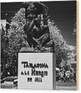 Tarragona Als Herois De 1811 Sculpture On Rambla Nova Avenue In Central Tarragona Catalonia Spain Wood Print