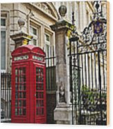 Telephone Box In London Wood Print