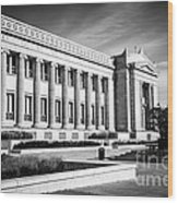 The Field Museum In Chicago In Black And White Wood Print